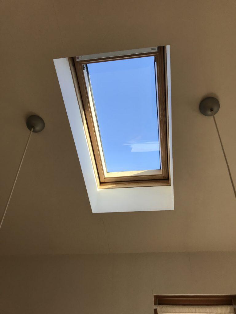 天窓からの青空