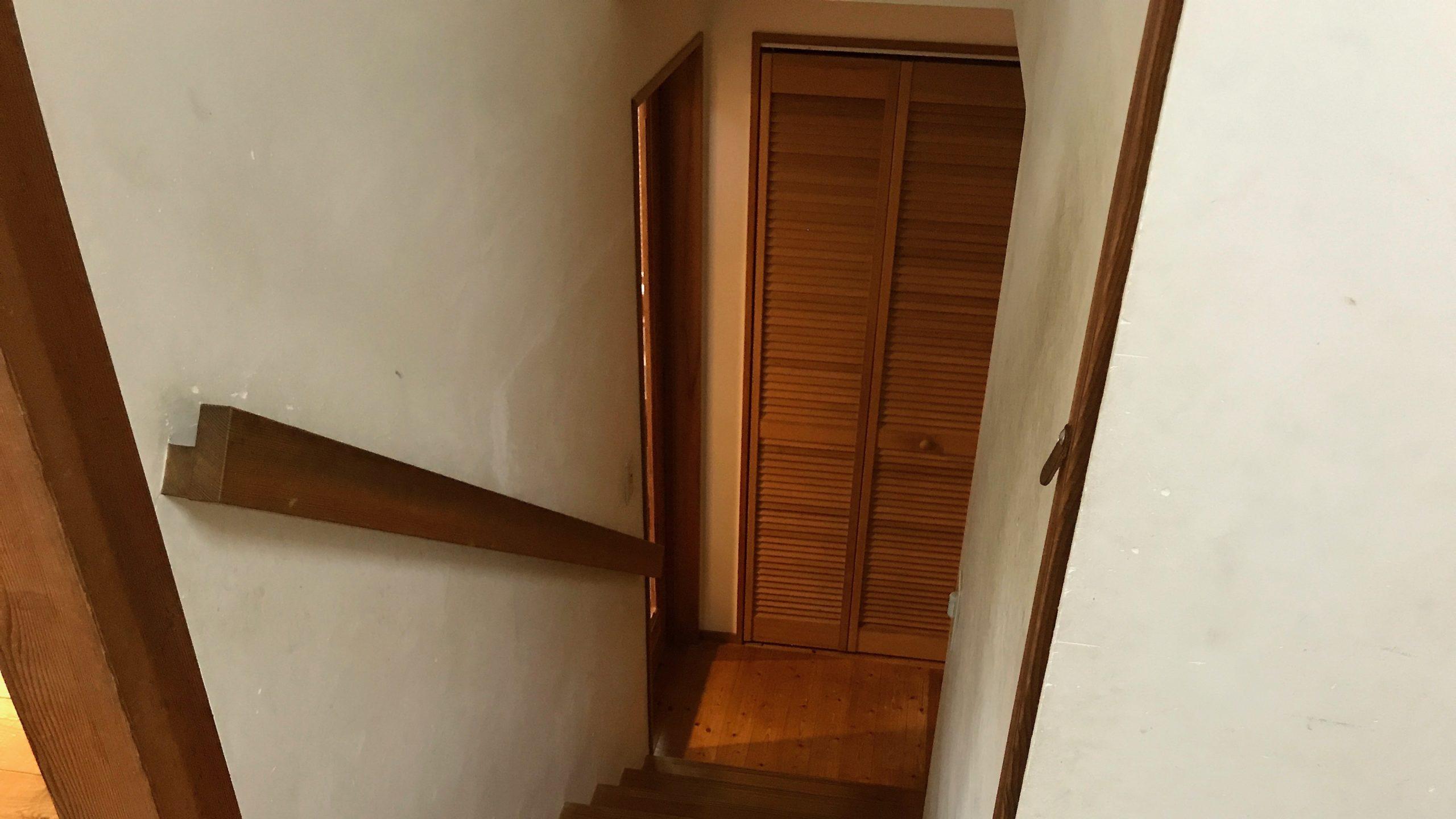 階段とクローゼット
