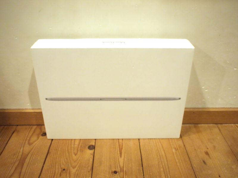 MacBookの箱